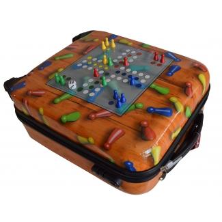Reisekoffer mit Spielfeld